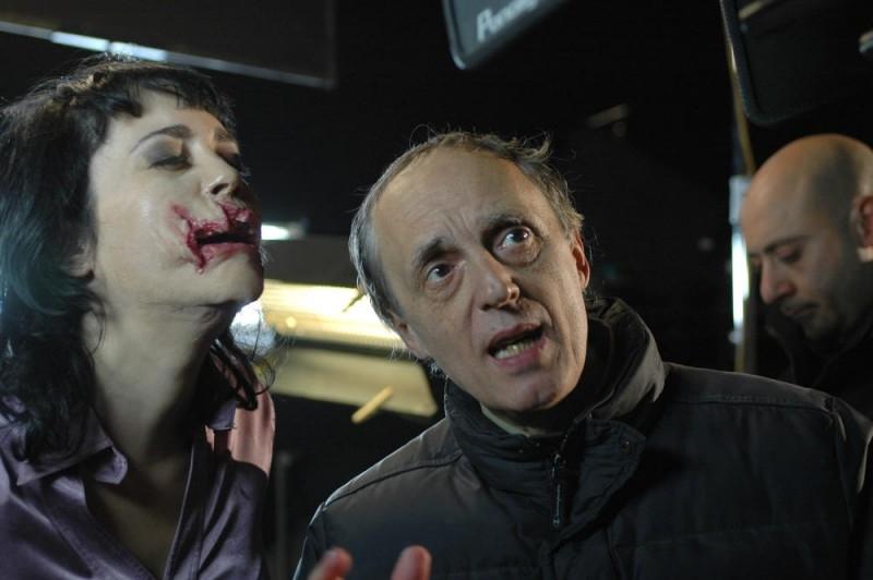 Dario Argento sul set del film La terza Madre, circondato come sempre dagli effetti speciali