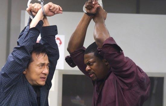 Jackie Chan e Chris Tucker in una sequenza del film Rush Hour - Missione Parigi