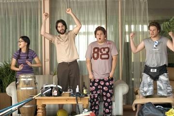 Charlyne Yi, Martin Starr, Jonah Hill  e Seth Rogen in una scena di Molto incinta