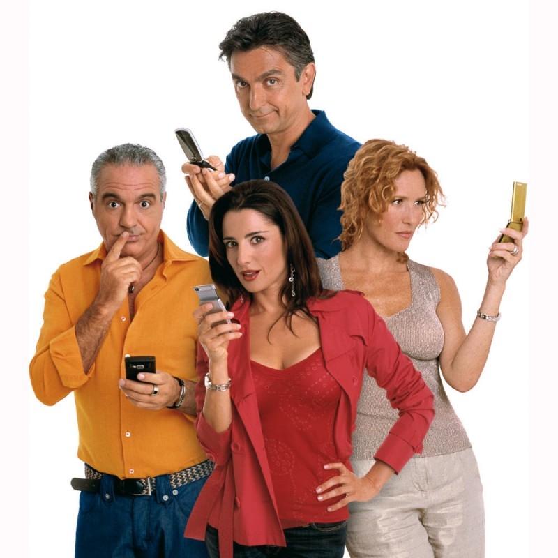Salemme con Panariello, Luisa Ranieri e Lucrezia Lante della Rovere in un'immagine promo di SMS - sotto mentite spoglie