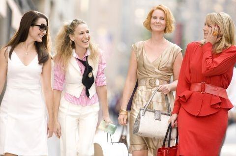Le ragazze sono tornate! Sarah Jessica Parker, Cynthia Nixon, Kristin Davis e Kim Kattrall in una delle prime foto ufficiali del film di Sex and the City