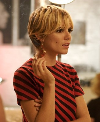 Una splendida Sienna Miller in un'immagine del film Factory Girl
