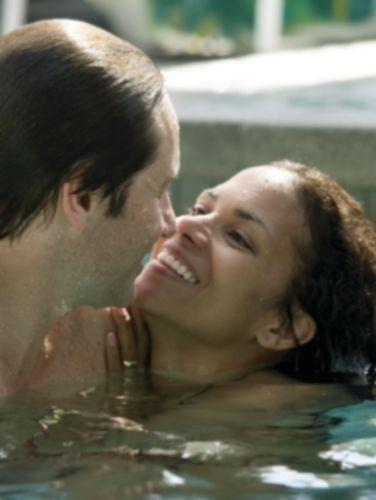David Duchovny e Halle Berry in una scena di Noi due sconosciuti