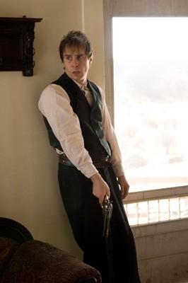 Sam Rockwell in una sequenza del dramma L'assassinio di Jesse James