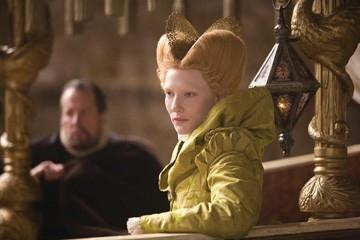 La Blanchett in una scena del film The Golden Age