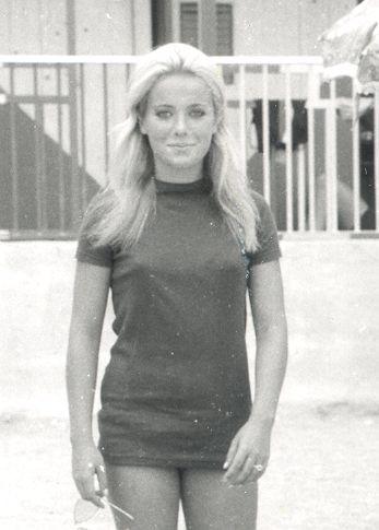 Una Susanna Javicoli quindicenne fotografata dall'amico e ammiratore Gaetano Squitieri