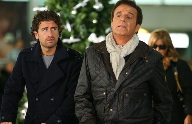 Christian De Sica con Alessandro Siani in una scena del cinepanettone Natale in Crociera