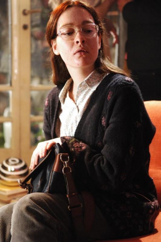 Cristiana Capotondi 'imbruttita' in una scena di Come tu mi vuoi