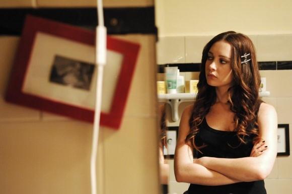 Cristiana Capotondi in versione seducente in una scena di Come tu mi vuoi