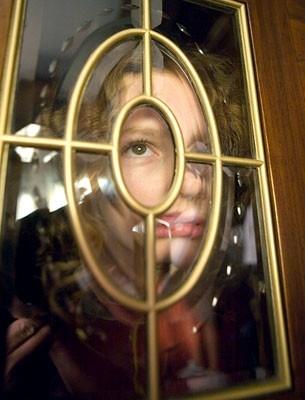 Dakota Blue Richards  in una scena de La bussola d'oro (2007)