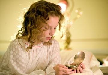 Dakota Blue Richards  in una scena del film La bussola d'oro
