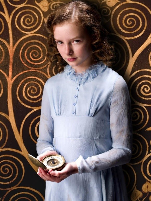 L'emergente Dakota Blue Richards  in una scena de La bussola d'oro
