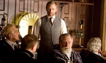 Daniel Craig in una scena del film La bussola d'oro