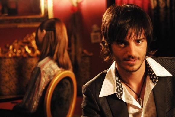 Nicolas Vaporidis in una scena di Come tu mi vuoi