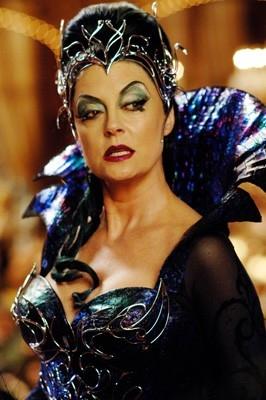 Susan Sarandon è la perfida strega in una scena di Come d'incanto