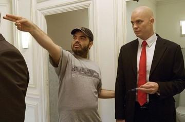 Xavier Gens e Timothy Olyphant sul set del film Hitman