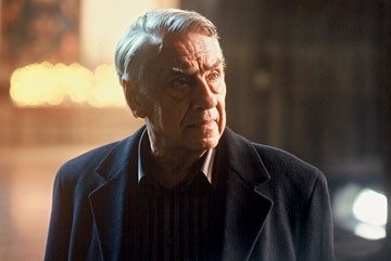 Philip Baker Hall  in una scena di The Matador