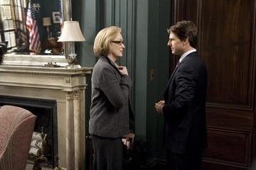 Tom Cruise con Meryl Streep in una scena del film Leoni per agnelli