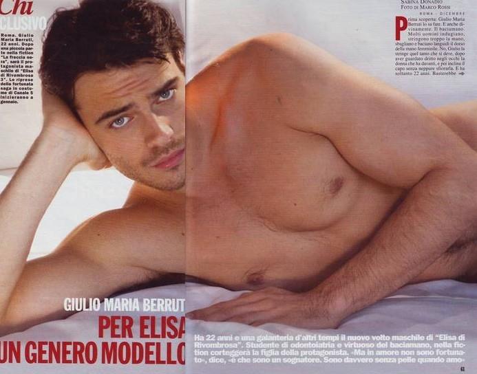 Una sexy immagine di Giulio Berruti sul magazine 'Chi'