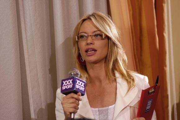 Anna Falchi nel film L'allenatore nel pallone 2