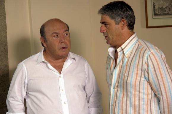 Lino Banfi con Biagio Izzo in una scena del film L'allenatore nel pallone 2