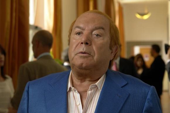 Lino Banfi nel ruolo di Oronzo Canà  in una scena de L'allenatore nel pallone 2