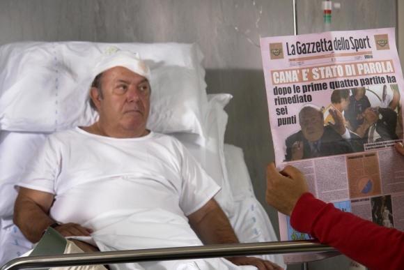 Un malandato Lino Banfi ne L'allenatore nel pallone 2