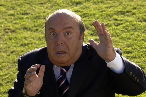 Lino Banfi torna nei panni del mitico Oronzo Canà ne L'allenatore nel pallone 2