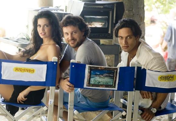 Laura Torrisi con Gabriel Garko e Leonardo Pieraccioni sul set di Una moglie bellissima