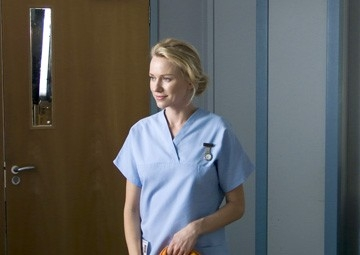 Naomi Watts in una scena de La promessa dell'assassino di David Cronenberg