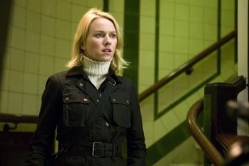 Naomi Watts in una scena de La promessa dell'assassino