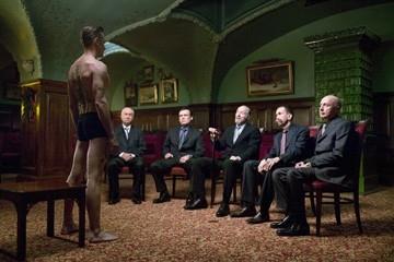 Viggo Mortensen con Armin Mueller-Stahl in una scena de La promessa dell'assassino