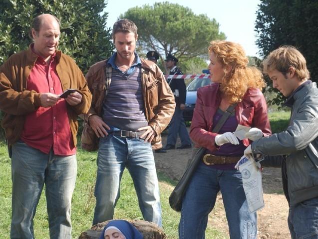 Lucrezia Lante della Rovere, Stefano Masciarelli e Flavio Montrucchio in una scena di 'Donna detective'