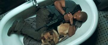 Will Smith in una sequenza di Io sono leggenda (I Am Legend) un film di Francis Lawrence del 2007