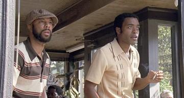 Common e Chiwetel Ejiofor in una scena di American Gangster