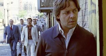 L'attore australiano Russell Crowe in una scena di American Gangster