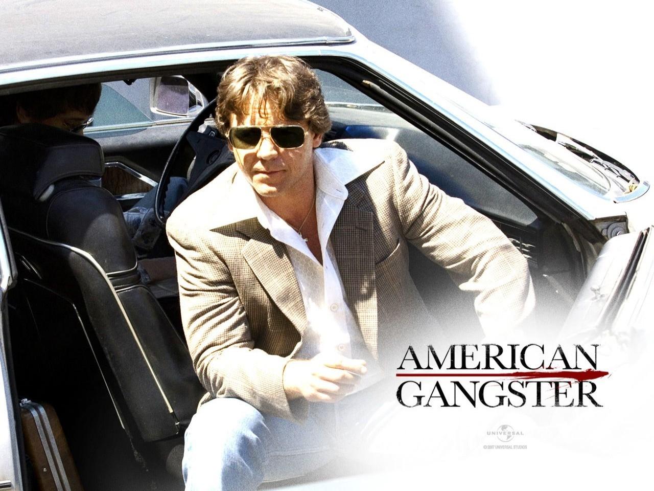 Russell Crowe in un wallpaper del film American Gangster