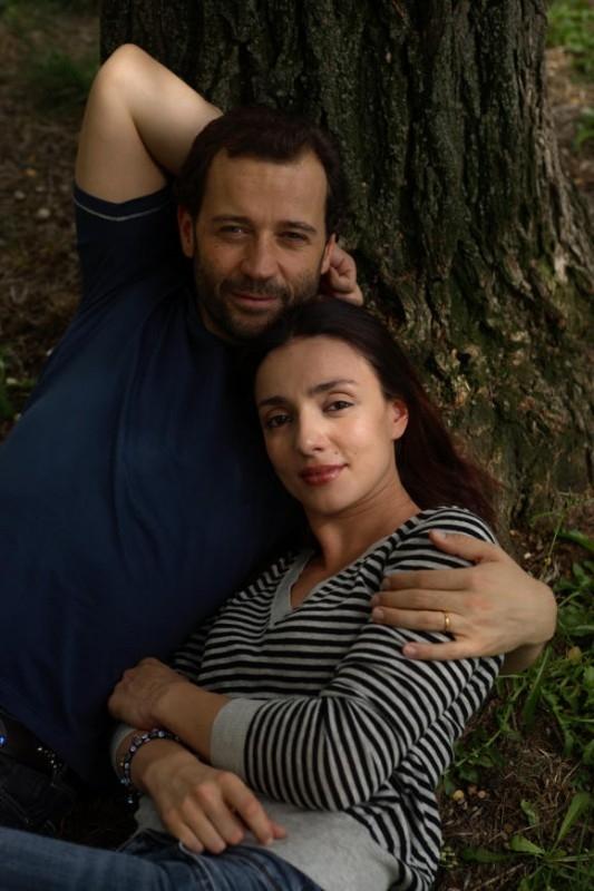 Ambra Angiolini e Fabio Volo in una scena del film Bianco e Nero