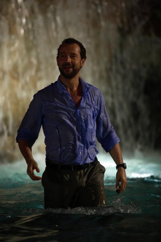 Fabio Volo in una scena del film Bianco e Nero