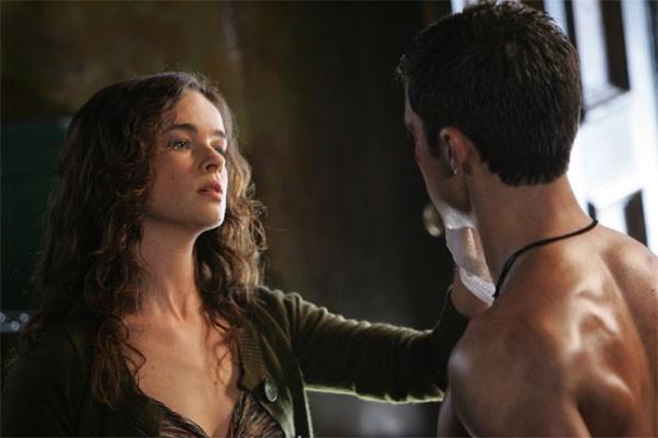 Heroes Volume II - Episodio 2: Peter (Milo Ventimiglia) e Caitlin (Katie Carr)