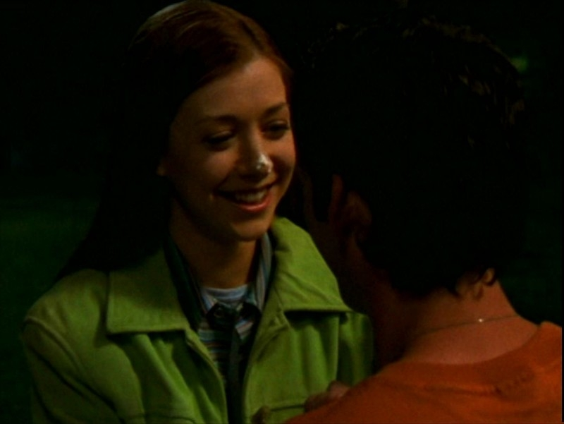 Alyson Hannigan in una scena dell'episodio 'L'ombra del maestro' di Buffy - L'ammazzavampiri