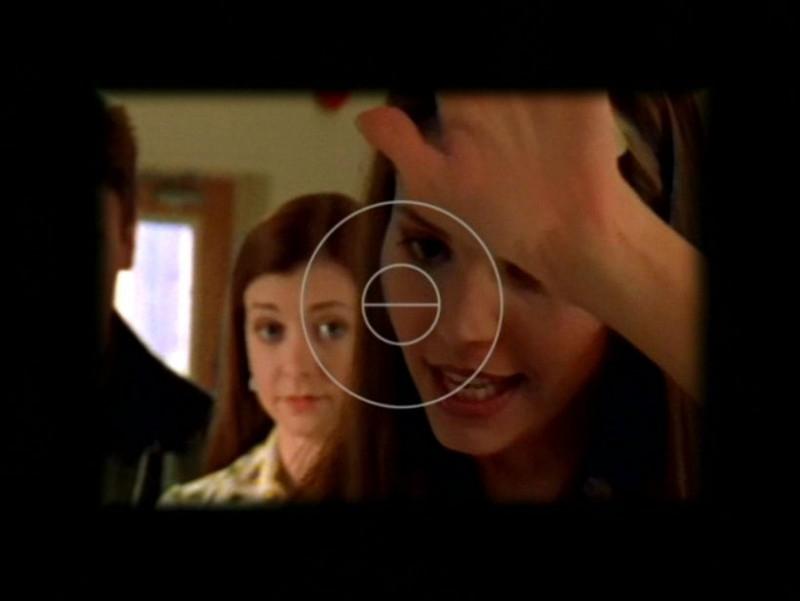 Charisma Carpenter in una scena dell'episodio 'Pezzi di ricambio' di Buffy - L'ammazzavampiri
