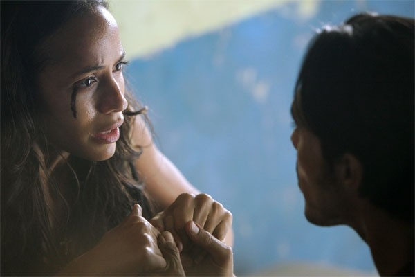 Heroes Volume II - Episodio 3: L'oscuro potere di Maya (Dania Ramirez ) e Alejandro (Shalim Ortiz)