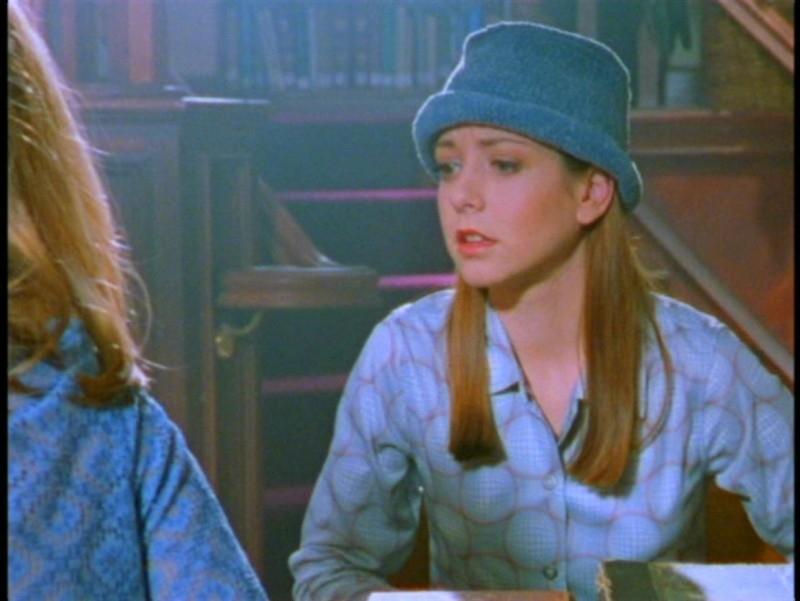 Alyson Hannigan in una scena dell'episodio 'La prescelta' della seconda stagione di Buffy - L'ammazzavampiri