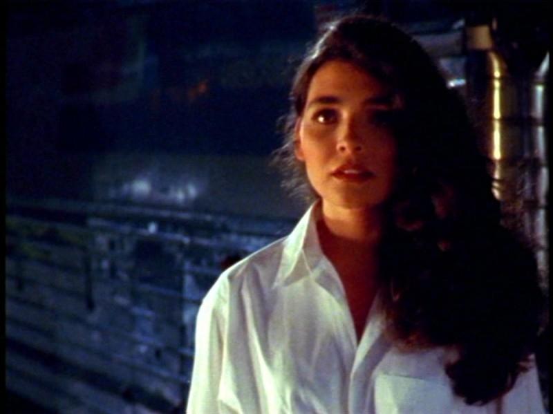 Ara Celi in una scena dell'episodio 'La prescelta' della seconda stagione di Buffy - L'ammazzavampiri