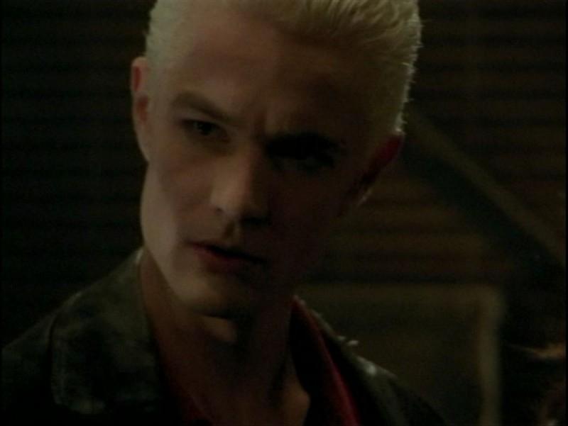 James Marsters in una scena dell'episodio 'La verità fa male' di Buffy - L'ammazzavampiri