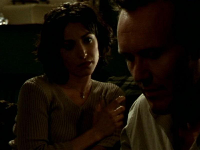 Robia LaMorte e Anthony Head nell'episodio 'Oscurità' di Buffy - L'ammazzavampiri