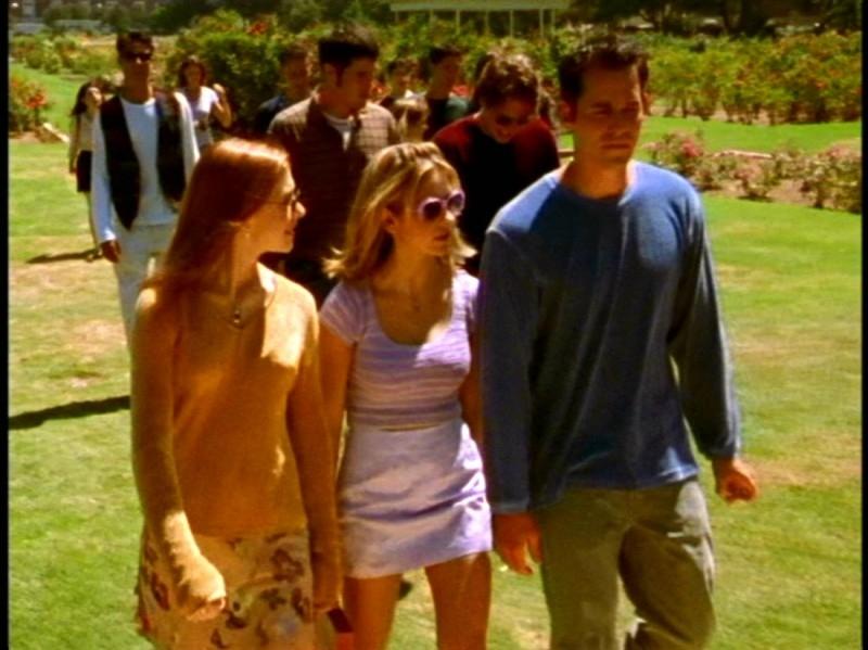 Sarah Michelle Gellar, Alyson Hannigan e Nicholas Brendon nell'episodio 'La prescelta' della seconda stagione di Buffy - L'ammazzavampiri