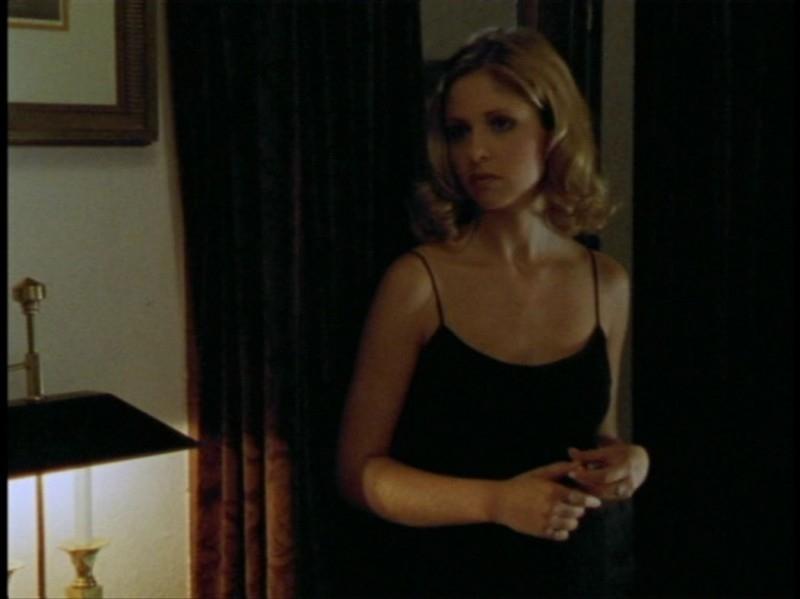 Sarah Michelle Gellar in un'immagine dell'episodio 'Festa macabra' di Buffy - L'ammazzavampiri