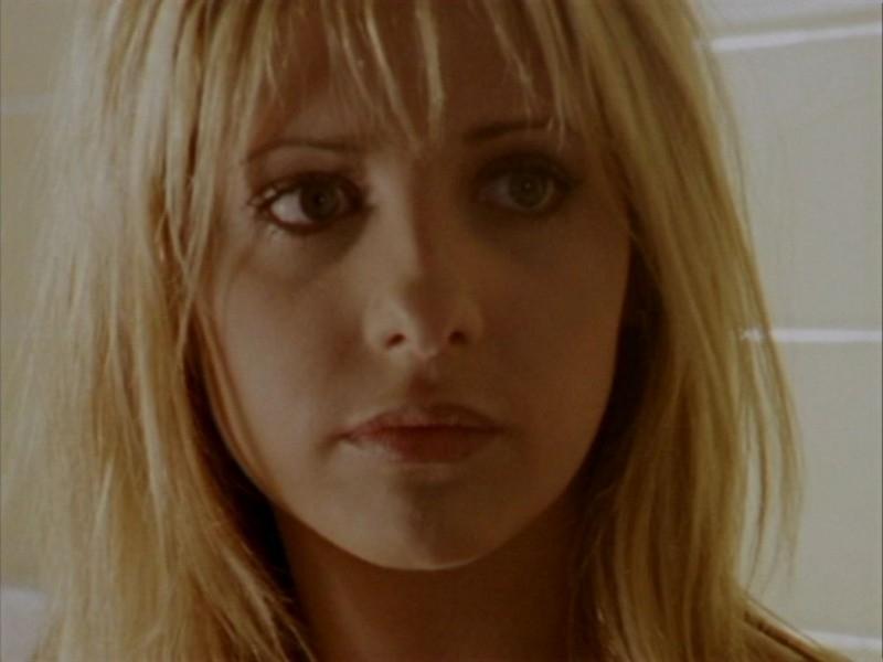 Sarah Michelle Gellar nell'episodio 'Halloween' di Buffy - L'ammazzavampiri